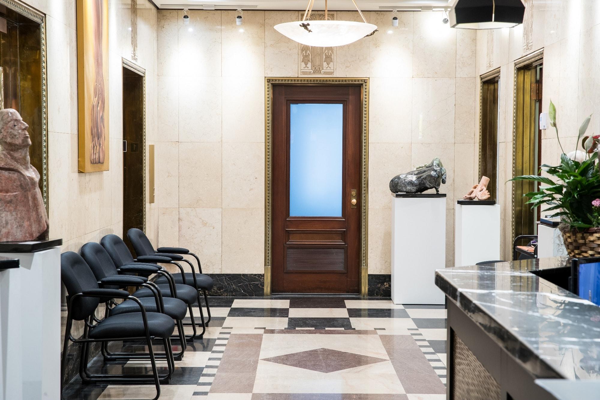Salle d'attente de la clinique de chirurgie du pied de Montréal